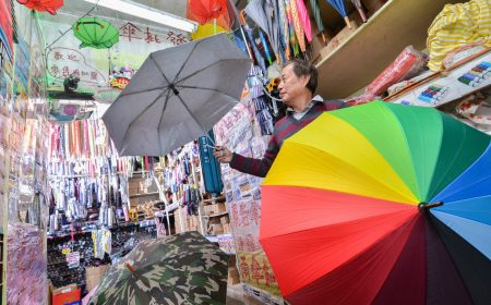 三雄行售賣各式各樣的雨傘,任何你想像得到的款式,都可以在這裡找到。