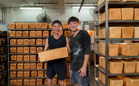 永樂麵包廠每天新鮮出爐的麵包多達二千多條,即使遠在大廠附近也嗅到  麵包香氣。