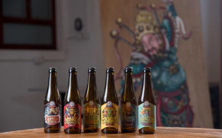 啤酒樽身以玉皇大帝、灶君、齊天大聖、雷公等神話人物作裝飾,甚具中西合壁的特色。