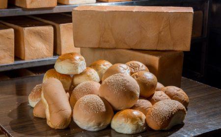 除了方包外,廠內還製作不同種類的麵包,主要向附近餐廳供貨。