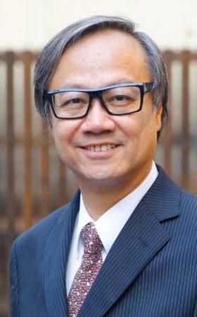 美術館邀得曾在香港大學博物館工作三十五年的楊春棠先生擔任總監,為場內設計構思。