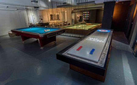 除Pool Soccer外,店內還有美式桌球及桌上沙壺讓參加者一同耍樂。
