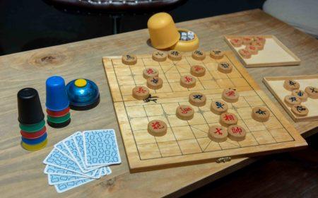 場內提供不少集體遊戲玩意供大眾玩樂,希望「低頭族」可放下手機,打破人與人的隔閡。